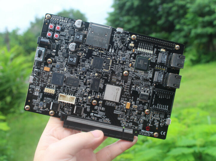 PolarFire SoC FPGA Icicle RISC-V FPGA board
