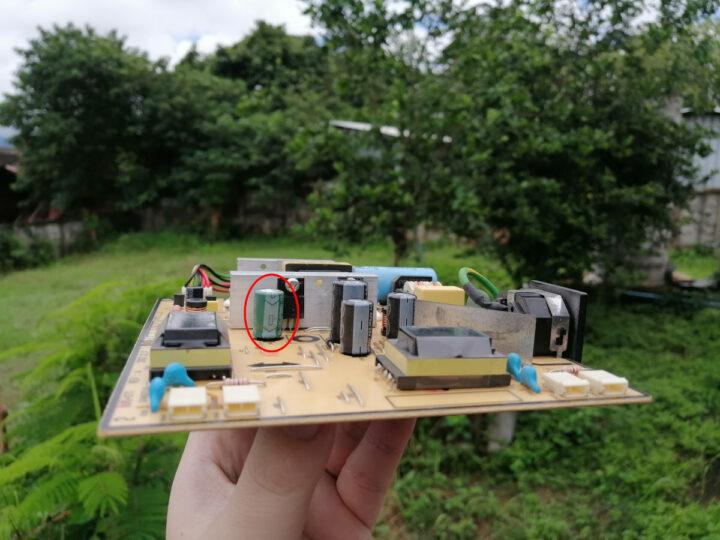 Swollen-capacitor-power-supply-board